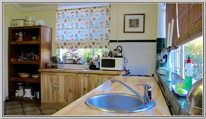 Wisteria Lane Guest House Kitchen_04