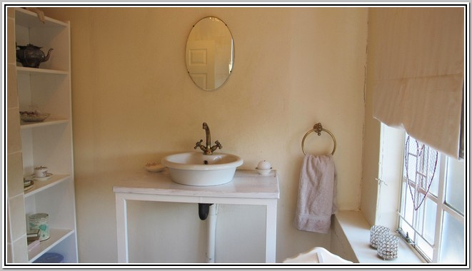 Wisteria Lane self-catering GuestHouse Rose_Bathroom_03